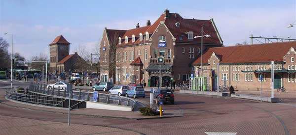 Deventer Station main entrance
