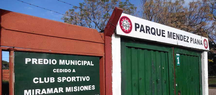 Estadio Parque Luis Mendez entrance
