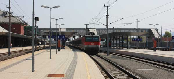 main platform of Klagenfurt station
