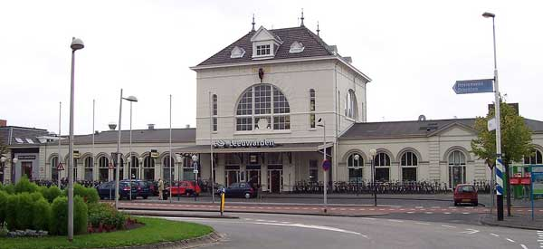Main entrance of Leeuwarden Train Station