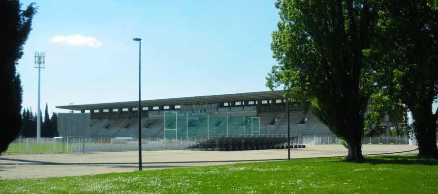 External view of Stade Avignon Parc Des Sports