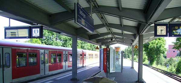 Inside Stellingren Station.