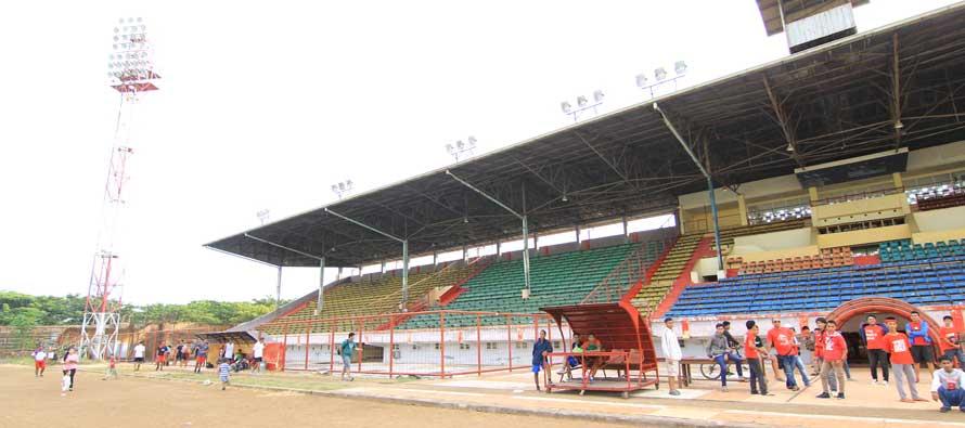 The main stand of Andi Mattalata Stadium