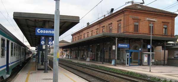Cesena Stazione main platform