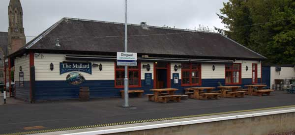The pub actually backs out onto Dingwall Station making it very convenient if you miss your train or it is delayed.