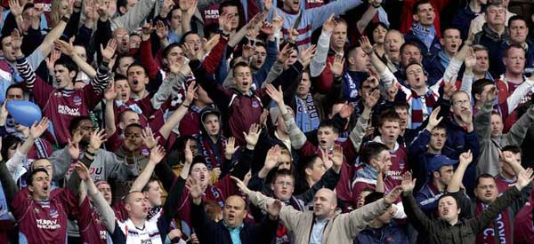 Drogheda United FC supporters inside the stadium