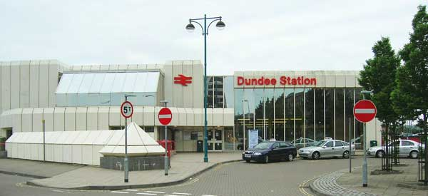 The exterior of Dundee Train Station.