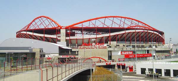 External view of Estadio Da Luz