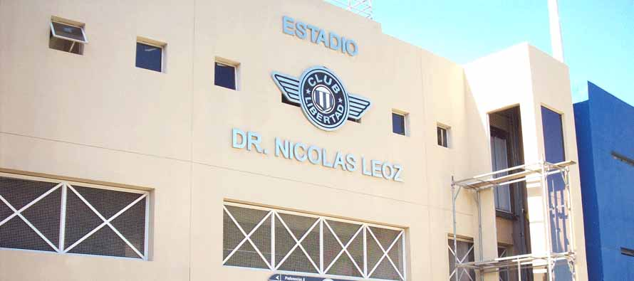 Estadio Dr Nicolas Leoz sign