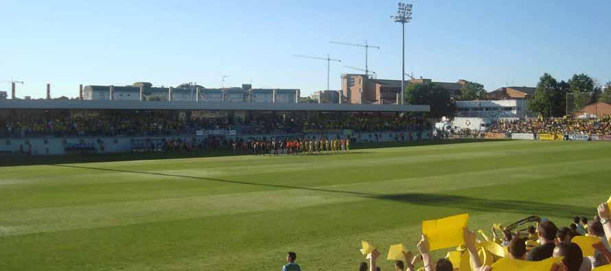 players line up at estadio de santo domingo