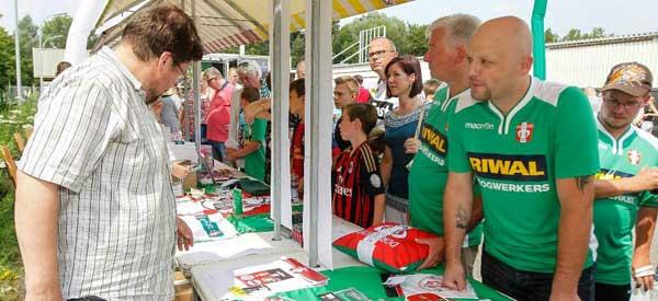 FC Dordrecht merchandise stall