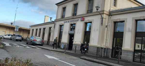 The exterior of Guingamp Railway Station
