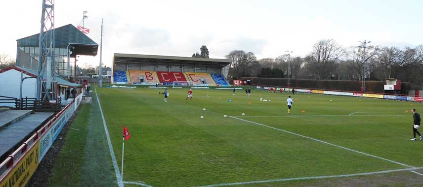 Players warming up at Glebe Park
