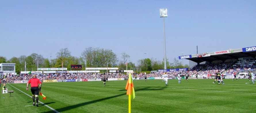 Match being played at Haderslev Fodboldstadion