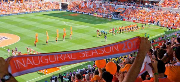 houston-dynamo-inaugaral-season-fans