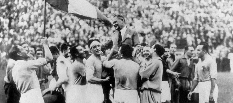Italy Celebrating 1934 WC Victory