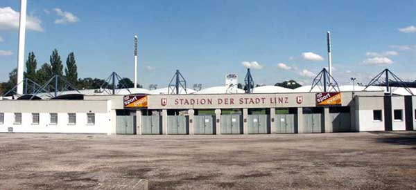 Main entrance to Linzer Stadion