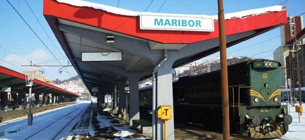 Maribor Station sign