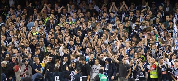 Melbourne Victory supporters inside the stadium