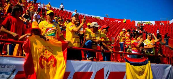 Monarcas Morelia supporters inside the stadium