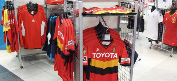 nagoya-grampus-club-shop