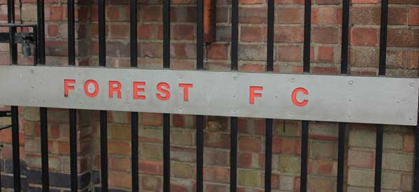 "A terrible picture of the ""Nottingham Forest"" gate."