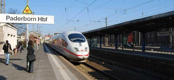 The main platform of Paderborn Railway Station.