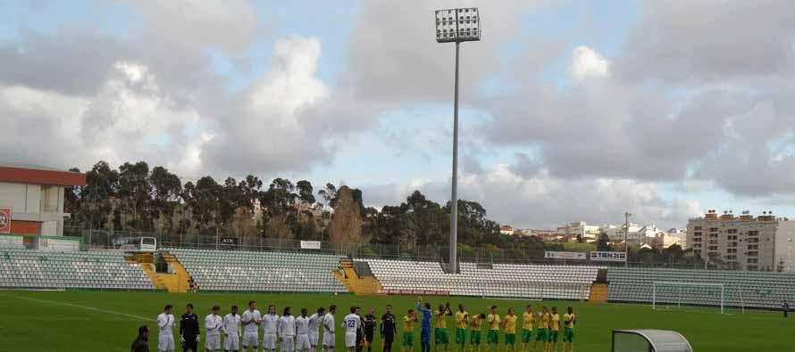 Teams lining up at Parque Almeida Freitas