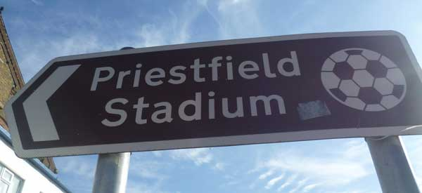 priestfield-stadium-sign