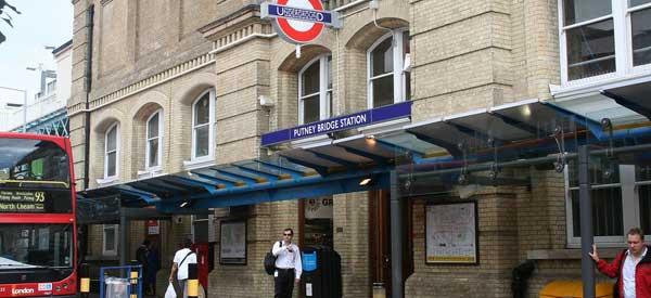 Entrance of Putney Bridge tube station
