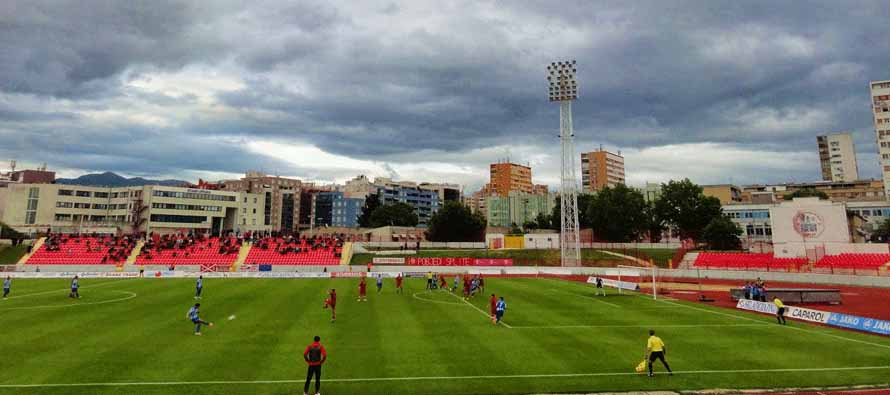 Game underway at Stadion Park Mladeži