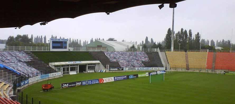 Stade De La Valle Du Cher curva
