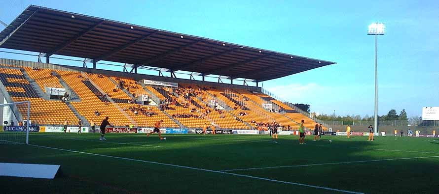 Players warming up at Stade Francis Le Basser