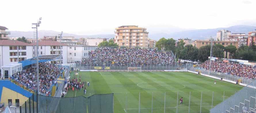 fans inside stadio matusa