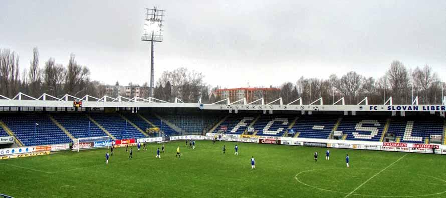 Match underway at Stadion U Nisy