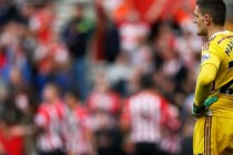 Vito Mannone Looks On against Southampton